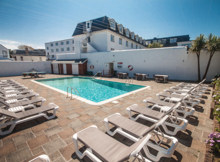 Holiday lounge jersey holiday lounge - Hotels with swimming pools in norfolk ...
